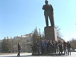 Ленин всегда на постаменте:)