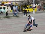 Первый круг на скейте вокруг Ленина:)